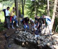 der Gemeinderat besucht die Ausgrabungen am Kiechlberg