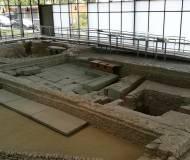 Im rom. bad - ein donnerbalken mit automatischer klospulung