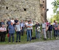 Die Bezirkschronisten (IL-Ost) bei der Ruine.