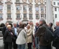 Mittelalterliches Flair am Stadtplatz von Wasserburg