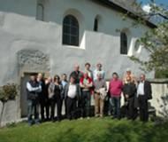 Die Bezirkschronisten vor der Ulrichskirche